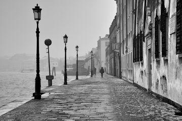 streetphotography blackandwhite black fog silhouette