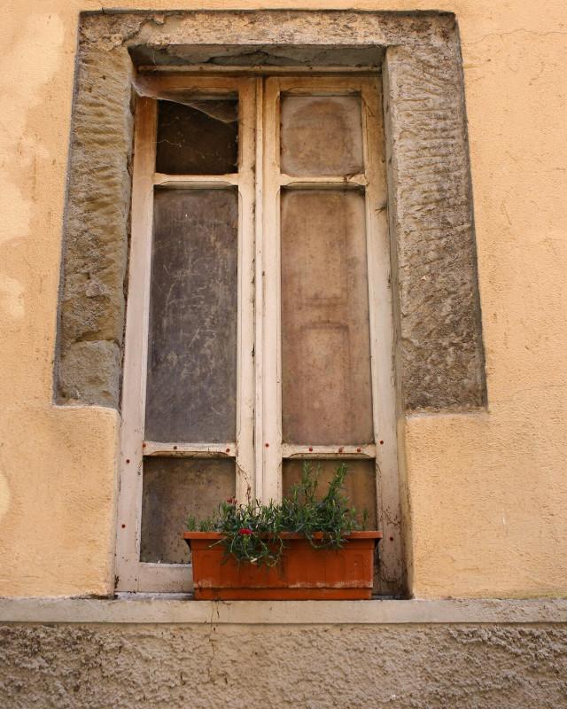 #life goes on  #lifestyle  #lifeisgood  #lifeisbeautiful  #still life  #lifegoeson  #city life  #window  #windows  #windowview