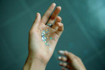 freetoedit hand human glitter pose